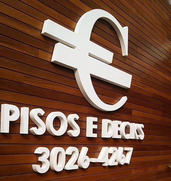 Letra Caixa em Painel de Madeira Curitiba
